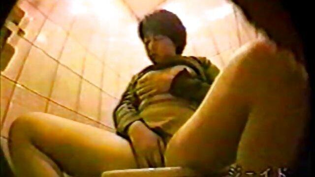 La film complet erotik résille noire fait tourner le monde